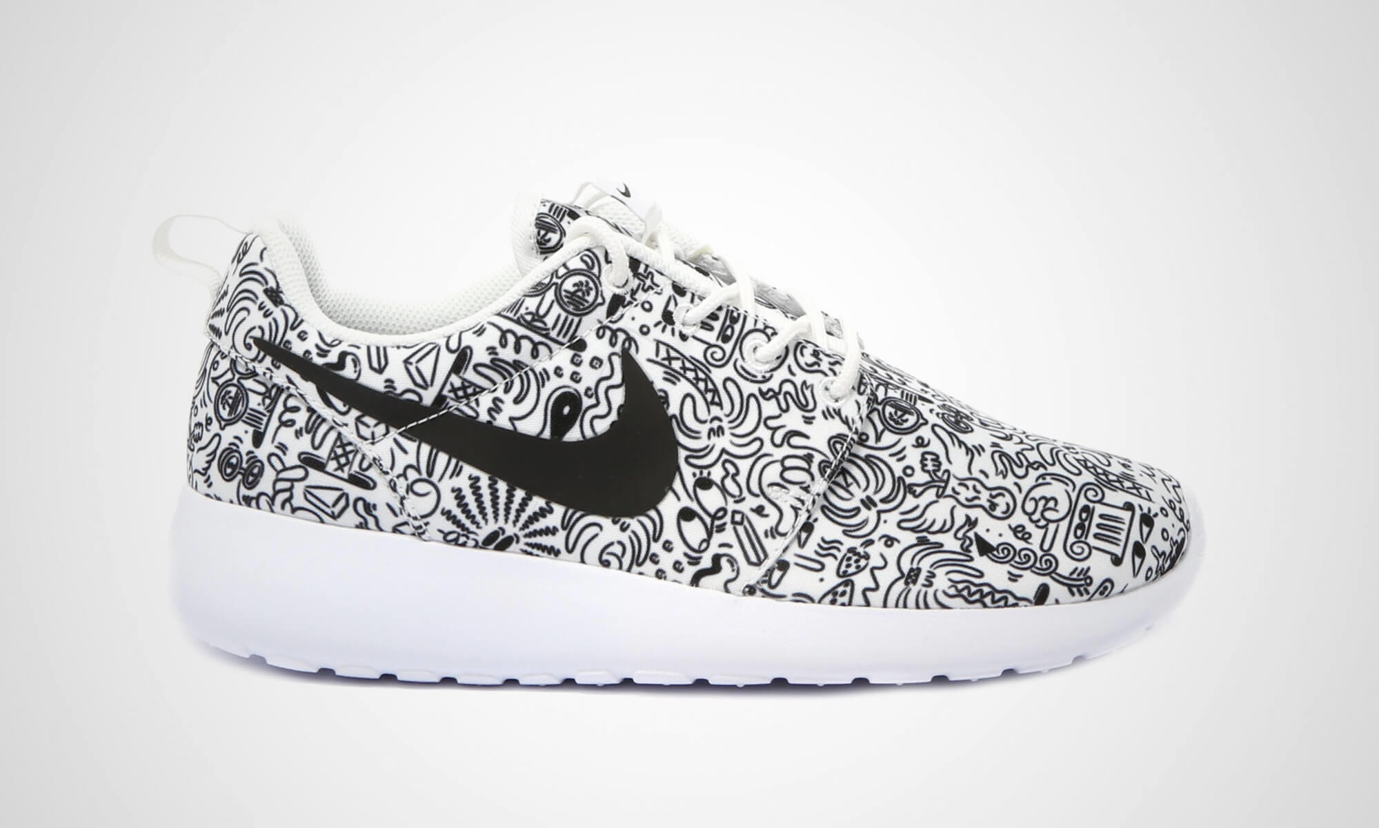 f7437bc41a060 The Nike Roshe One leaves no doubt that it s the perfect summer sneaker!  Combined is an extremely light Lunarlon-sole with a very breathable
